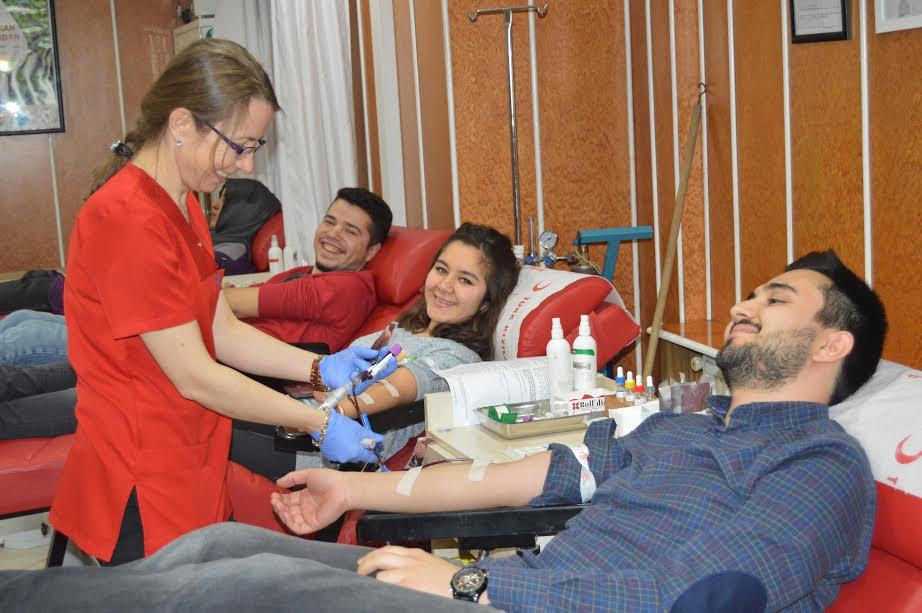 Ünidağ'dan kan bağışı